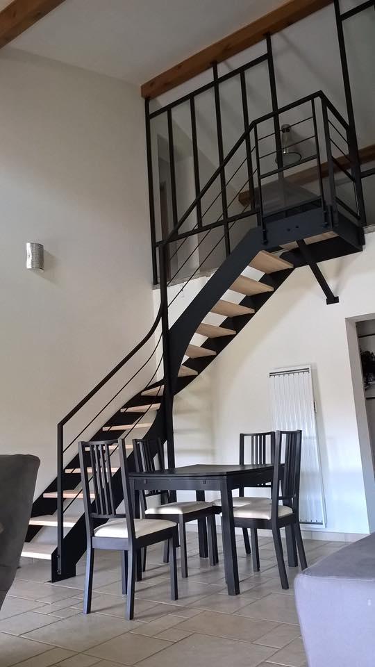 Escalier double limon droit quart tournant