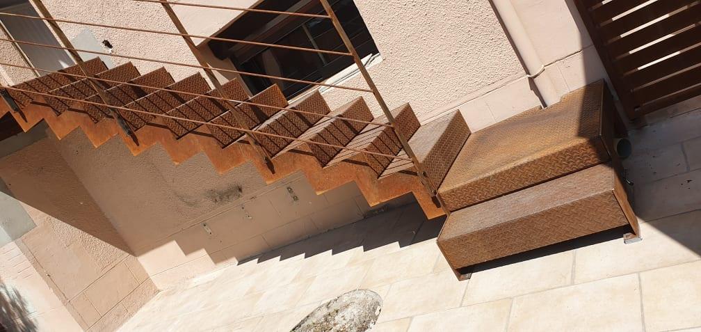 Escalier en acier brute Fer et Tendance Toulouse
