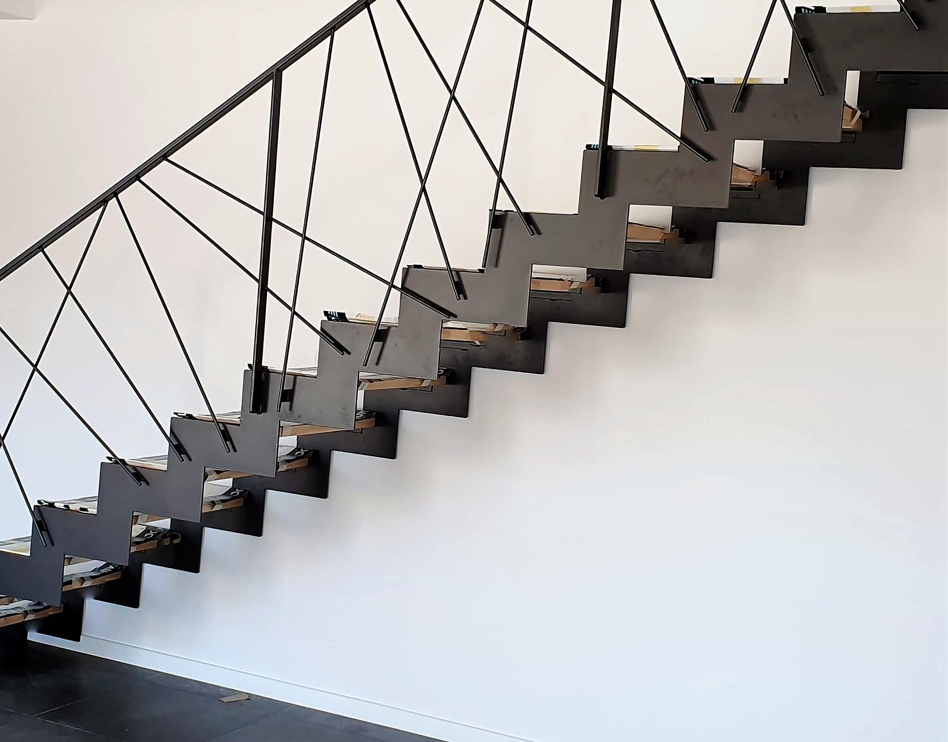 Escalier métallique crémaillère Fer et Tendance