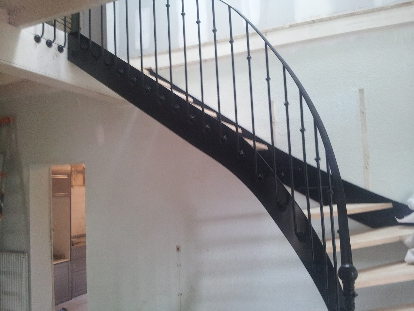 Garde-corps sur escalier limon