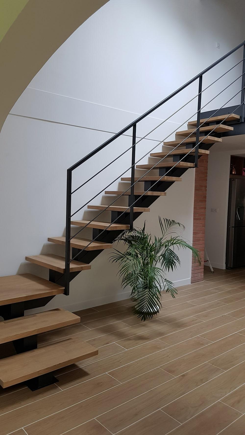 Escalier quart tournant style industriel