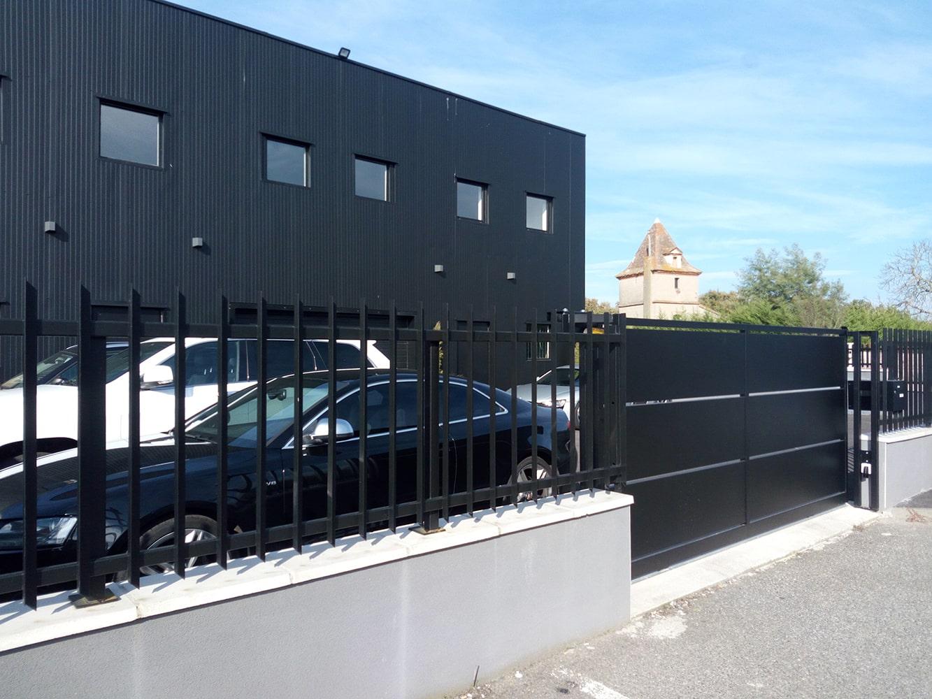 Portail métallique sur-mesure Toulouse