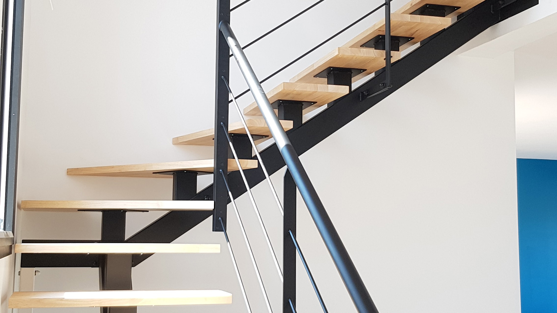 pourquoi choisir un escalier métal et boir ferronnier Toulouse fer et tendance