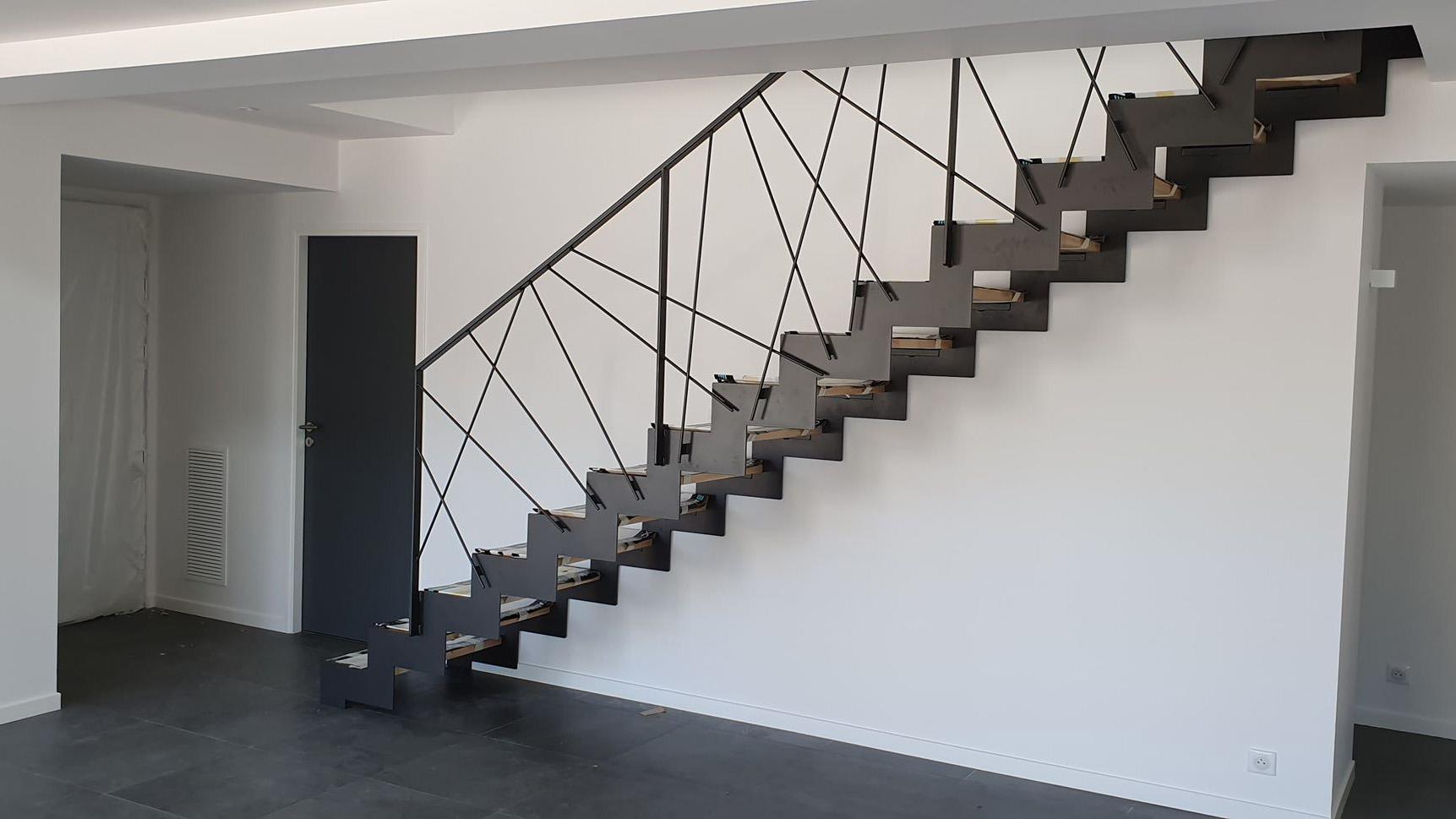escalier métallique droit intérieur à Toulouse