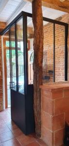 Porte coulissante et fixe en style atelier