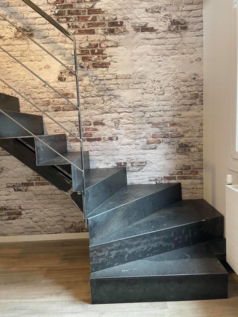 Escalier industriel acier Toulouse fer et tendance