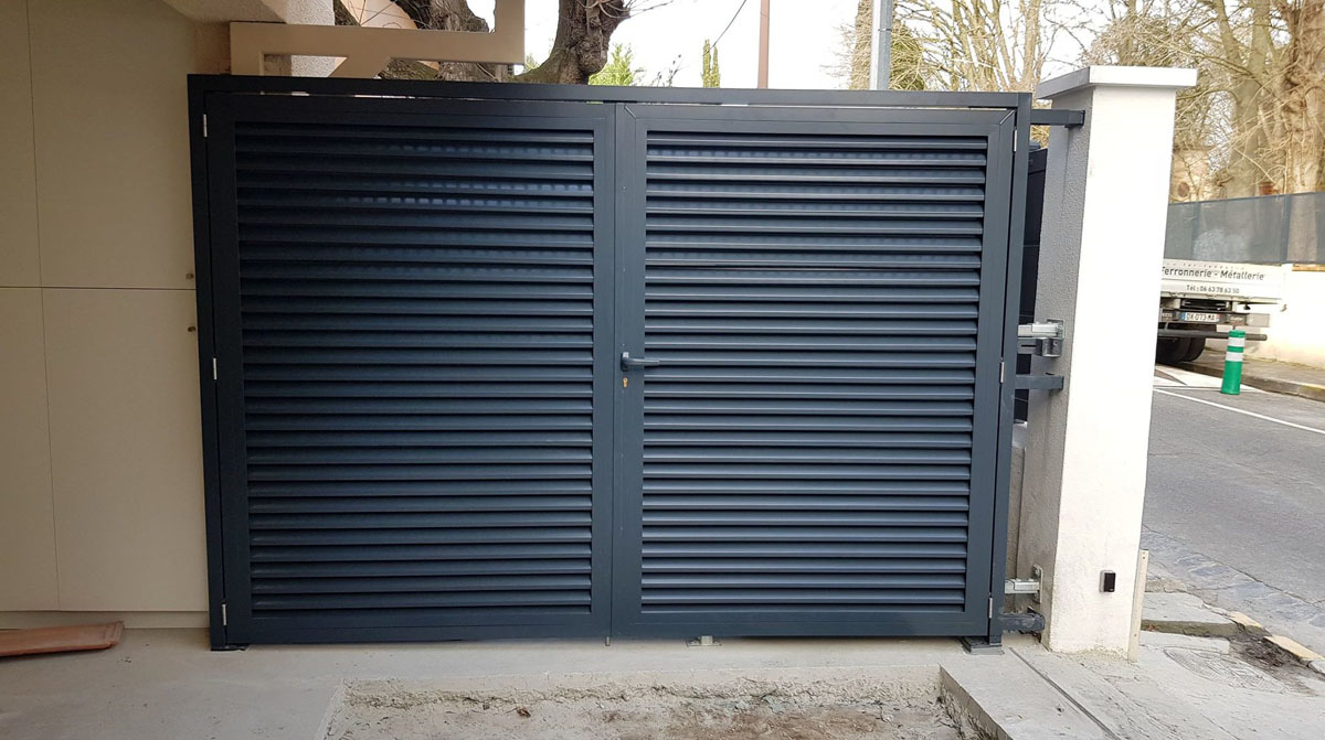 fer et tendance ferronnerie sur mesure cache climatisation toulouse