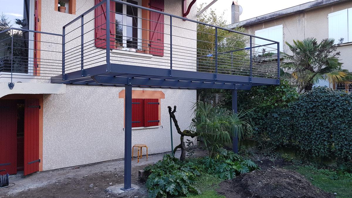 fer-et-tendance-ferronnerie-sur-mesure-terrasse-metallique-garde-corps-toulouse-scaled